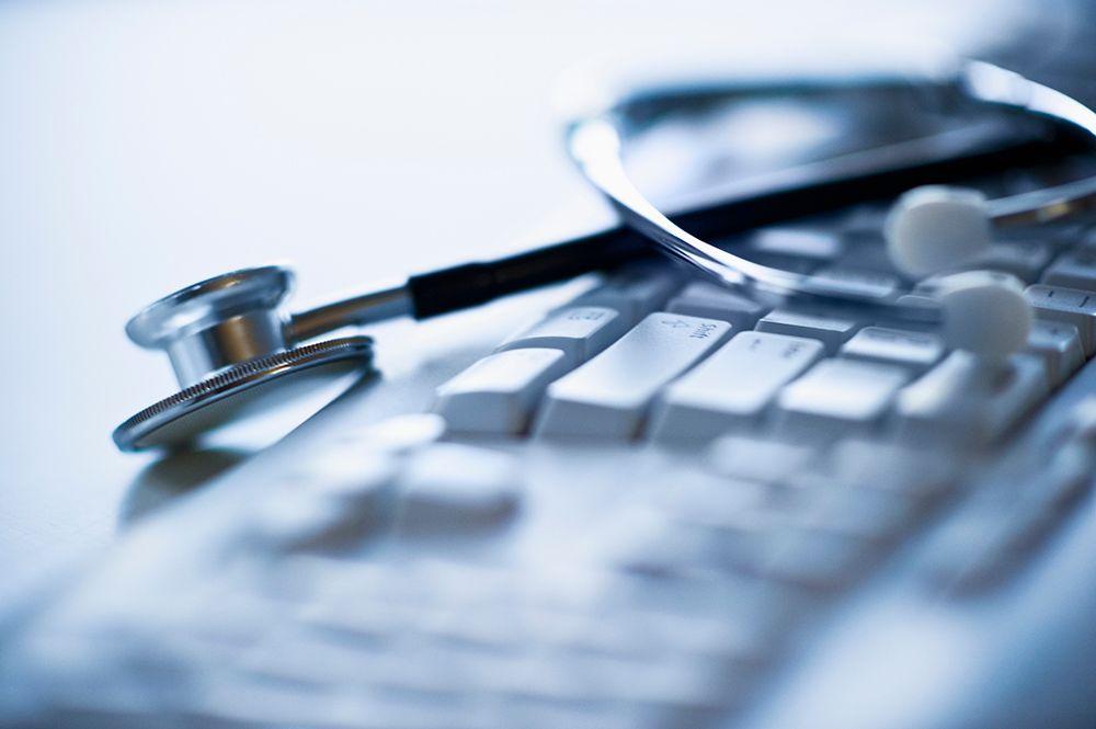 Evitar fraudes e otimizar operações. As contribuições da biometria às instituições de saúde na América Latina