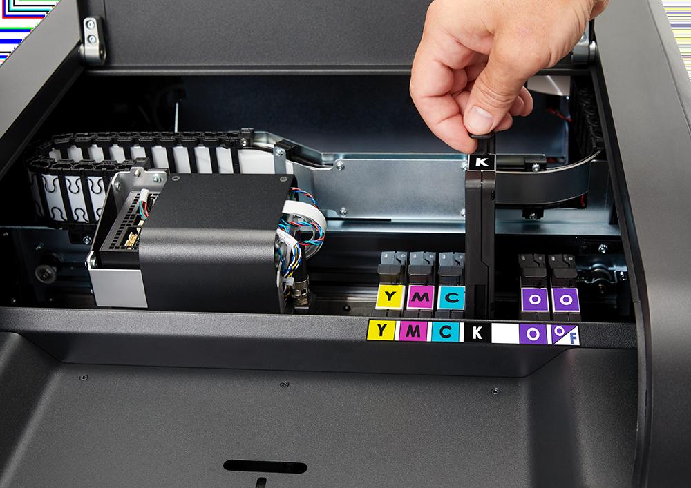 Nova categoria para personalização de cartões oferece alternativas para tecnologias por retransferência, DTC (Direct-to-Card) e Máquinas de Grande Porte de Emissão Centralizada