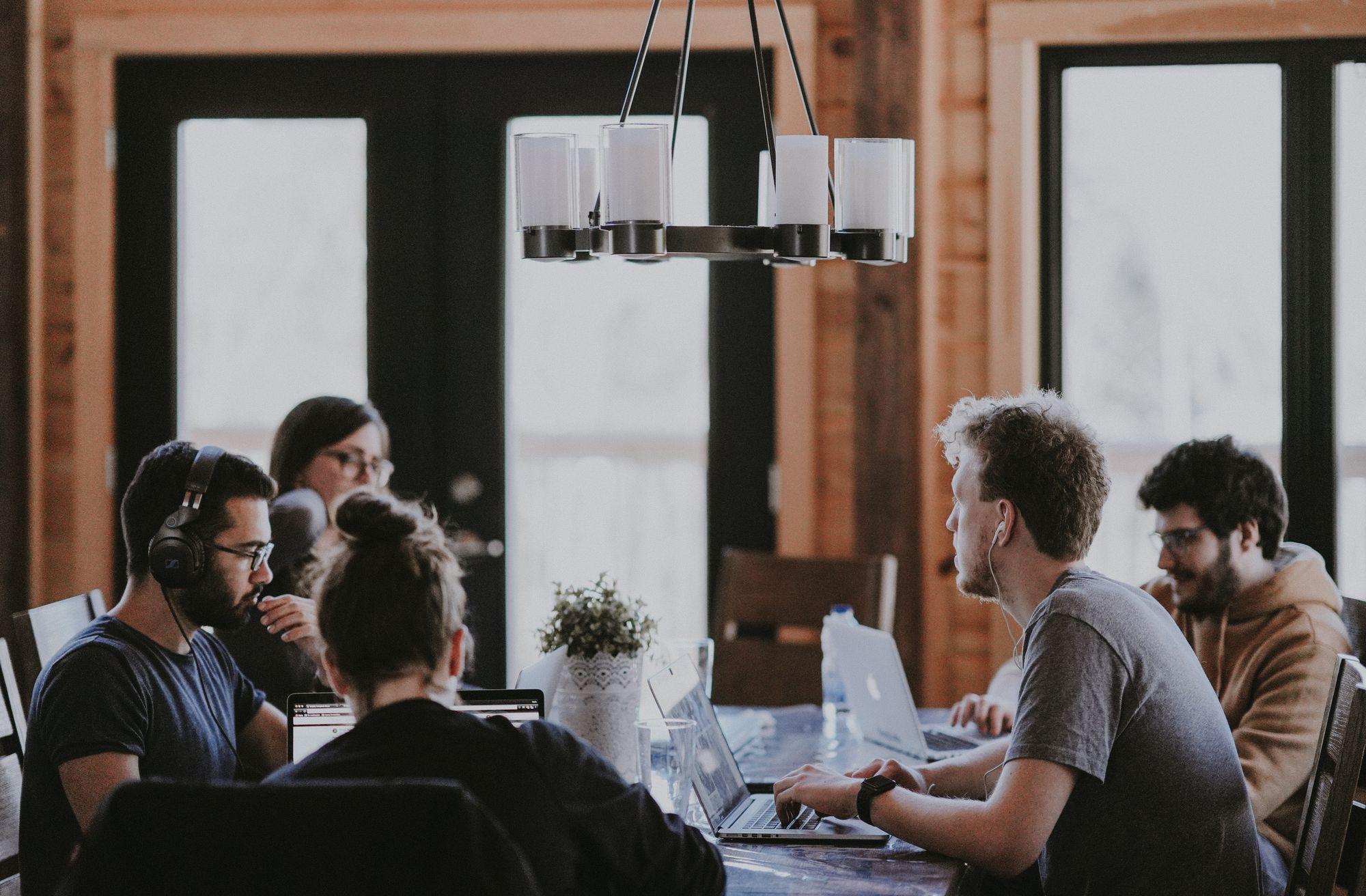 5 cuidados que as empresas precisam tomar no retorno dos escritórios